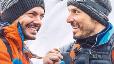 """Kev Adams et Vincent Elbaz dans """"Tout là-haut""""."""
