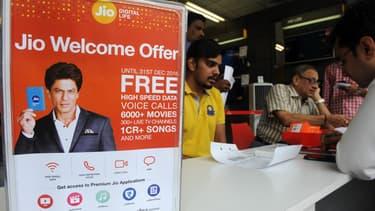 L'arrivée en force du géant Reliance Industries, avec l'opérateur Jio, avec une agressive offre 4G, a déclenché une guerre des prix sur le gigantesque marché indien.
