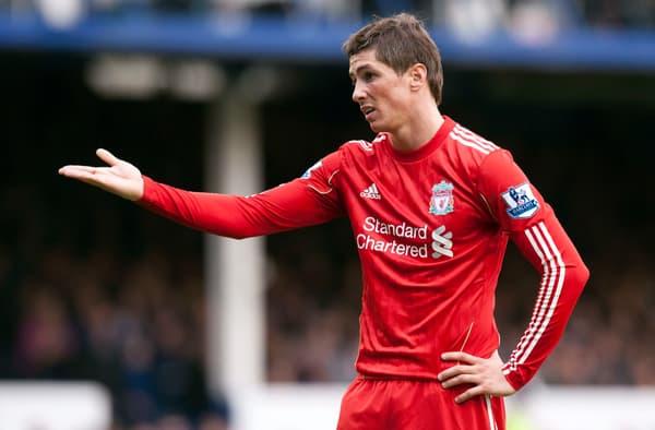 Fernando Torres désabusé face à Everton en octobre 2010 à Goodison Park, une défaite 2-0 de Liverpool