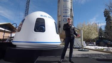La capsule New Shepard contient six places. Lors de cet essai, l'une d'elle est occupée par un mannequin.