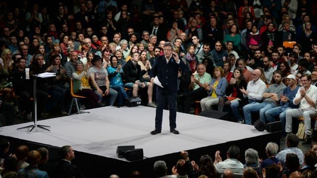 Jean-Luc Mélenchon, candidat à l'élection présidentielle, lors d'un meeting à Châteauroux le 2 avril 2017