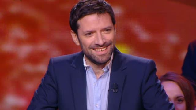 Julien Cazarre sur le plateau de l'émission J+1, sur Canal+.