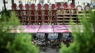 Un restaurant fermé sur les Champs-Elysées à Paris le 12 novembre 2020