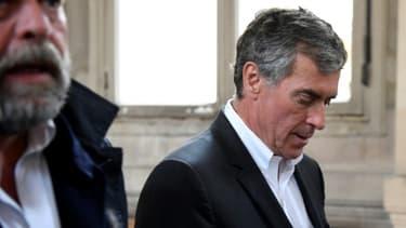 Jérôme Cahuzac lors de l'arrêt de la cour d'appel de Paris le 15 mai 2018, accompagné par son avocat Eric Dupond-Moretti