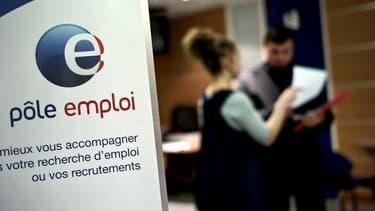 La moitié des 5 millions de chômeurs inscrits en France métropolitaine en juin ont été indemnisés.