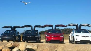 Les portières Falcon du Model X