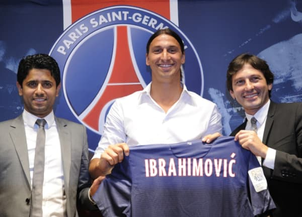 Nasser Al-Khelaïfi, Zlatan Ibrahimovic et Leonardo lors de la signature du Suédois au PSG en 2012