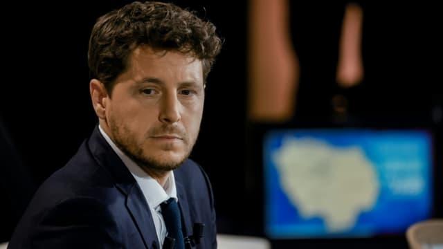 Le numéro un d'EELV et candidat en Ile-de-France, Julien Bayou avant un débat télévisé à Paris le 14 juin 2021