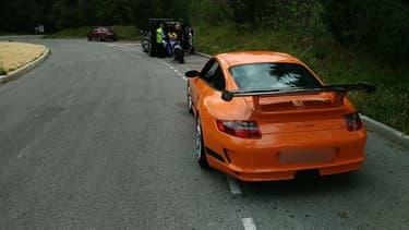 La Porsche 911 GT3RS arrêtée par les gendarmes.
