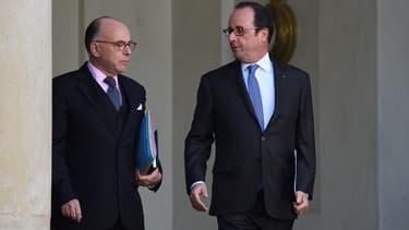 Le Premier ministre Bernard Cazeneuve et le président de la République François Hollande, le 7 décembre 2016.