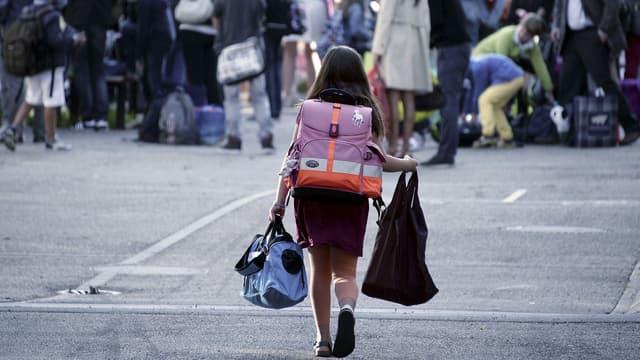 Près de 12 millions d'élèves retrouvent ce mardi le chemin de l'école partout en France.