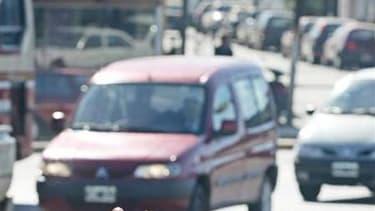 Selon les recommandations d'un rapport de l'Union européenne, les véhicules utilitaires légers devraient être équipés de limiteurs de vitesse obligatoires dans l'UE pour les empêcher de dépasser la vitesse de 120 km/h et afin d'améliorer leur efficacité s
