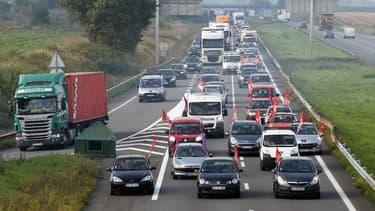 Les routiers maintiennent la pression.