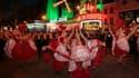 Le Moulin Rouge se produit 365 jours par an, avec 2 spectacles tous les soirs.