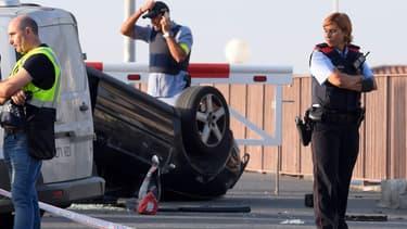 La voiture ayant foncé sur des piétons à Cambrils, en Catalogne, dans la nuit du 17 au 18 août.