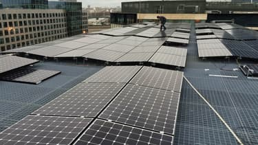 L'école de formation du barreau de Paris, installée dans le quartier d'Issy-les-moulineaux où Issygrid est déployé, a été équipé de 250 mètres carrés de panneaux photovoltaïque, qui alimente le bâtiment.