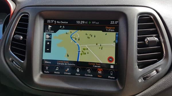 L'écran tactile 7 pouces du Jeep Compass