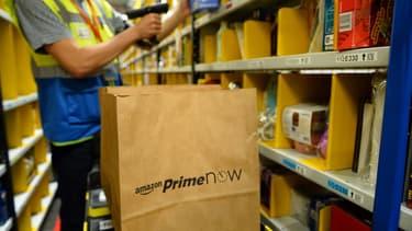 Un bracelet électronique pour suivre l'activité des salariés à chaque seconde. Pour Amazon, il s'agit d'améliorer la préparation des commandes.