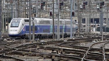 L'Etat va renoncer aux 500 millions d'euros annuels générés par les dividendes et l'impôt sur les sociétés acquittés par la SNCF.