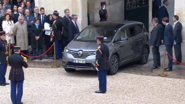 La première voiture présidentielle d'Emmanuel Macron, un Renault Espace.