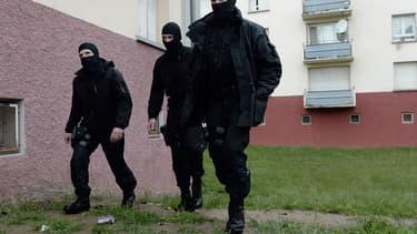 Des équipes du Raid, lors de l'interpellation de candidats au jihad à Strasbourg, en mai 2014 (photo d'illustration).