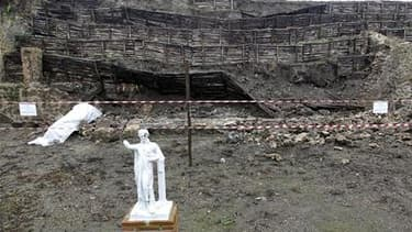 Une partie d'un mur d'enceinte du site archéologique de Pompéi s'est effondré à la suite d'intempéries, un an après une série d'effondrements qui avait suscité une vive polémique sur l'incapacité du gouvernement italien à entretenir l'ancienne ville romai