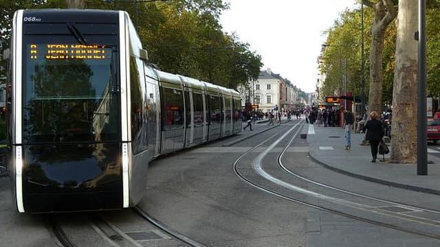 Le tramway, à Tours