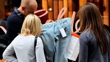 Les ventes en ligne de textile et d'habillement continuent de progresser avec + 6,8% en un an dans un contexte peu porteur pour le marché de la mode