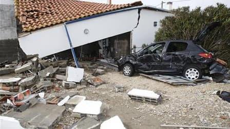 Les associations de sinistrés de la tempête Xynthia en Charente-Maritime, désormais regroupées au sein d'un collectif qui a vu le jour jeudi soir, exhortent le gouvernement à passer de la parole aux actes, au lendemain de la visite de Jean-Louis Borloo da