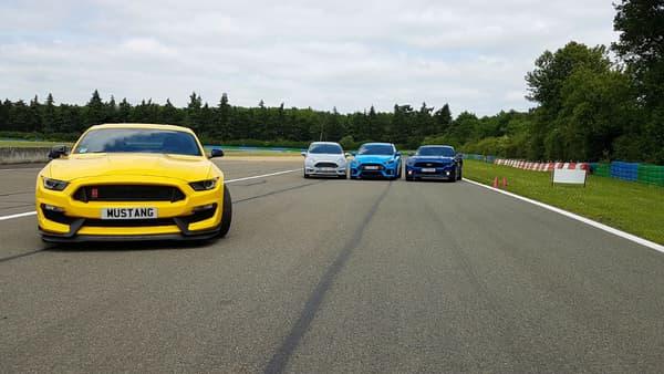 La gamme Ford Performance, avec de gauche à droite, la Shelby, la Fiesta ST200, la Focus RS et la Mustang GT
