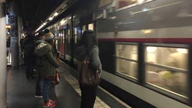 Le trafic est perturbé sur le RER C (illustration).
