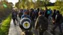 Des centaines de manifestants défilent sur le site de la ZAD de Notre-Dame-des-Landes, en Loire-Atlantique, le 21 octobre 2017.