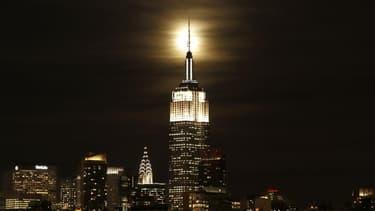 L'Empire State Building à New York, le célèbre immeuble art-déco de 102 étages, s'apprête à faire son entrée en Bourse à hauteur d'un milliard de dollars, donnant aux investisseurs lambda l'opportunité de détenir une partie du gratte-ciel emblématique de