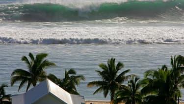 La Réunion se lance dans un projet ambitieux: climatiser ses bâtiments à partir de l'eau de mer.