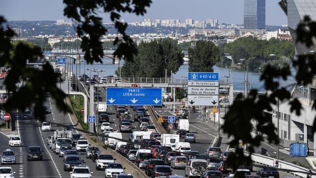 Des embouteillages sur l'autoroute A7 au sud de Lyon.