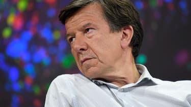 Gilles Pélisson, le PDG de TF1, ne désarme pas face à l'ultimatum de Canal et aux menaces d'Orange et Free.