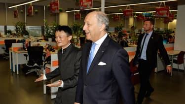 Jack Ma, fondateur d'Alibaba, et Laurent Fabius, ministre des Affaires étrangères, se connaissent, s'estiment et veulent s'aider l'un l'autre.