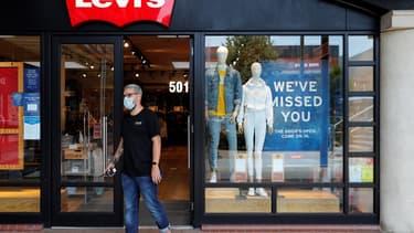 Le port du masque sera obligatoire dans les magasins en Angleterre à partir du 24 juillet