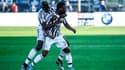 Paul Pogba enlace Patrice Evra après son but