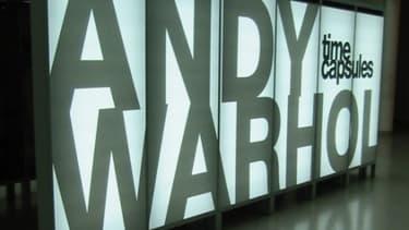 La vente des oeuvres d'Andy Warhol a rapporté 329 millions de dollars en 2012.