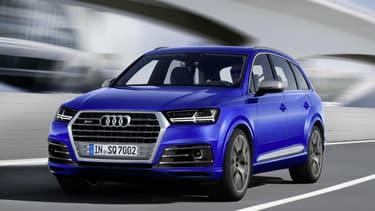 Audi a dévoilé le 03 mars la première déclinaison S de son grand SUV Q7, baptisée en toute simplicité le SQ7. C'est un diesel de 435ch.
