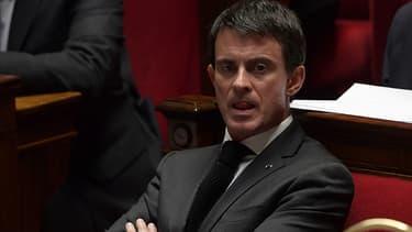 Manuel Valls pensif à l'Assemblée nationale