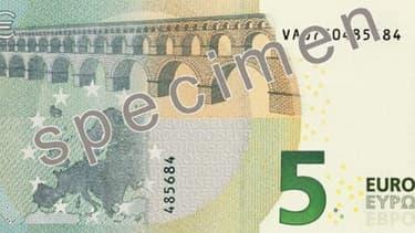2,5 milliards du nouveau billet de 5 euros ont été fabriquées.
