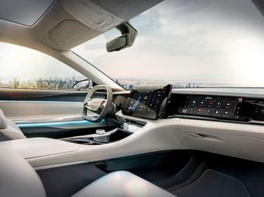 Début 2020, FCA, devenu depuis Stellantis avec la fusion avec PSA, avait présenté ce concept Airflow conçu avec Foxconn.