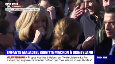 Opération Pièces jaunes: Brigitte Macron accompagne des enfants malades à Disneyland Paris