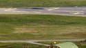Un Rafale se prépare à atterrir sur la base militaire de Solenzara en Corse. Une vingtaine d'appareils de l'armée de l'air française sont intervenus lundi au-dessus de la Libye dans le cadre des opérations de la coalition internationale contre les forces