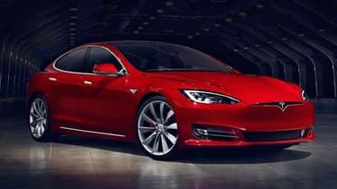 Sans toucher à la batterie, Tesla booste l'autonomie de ses Model S et Model X.