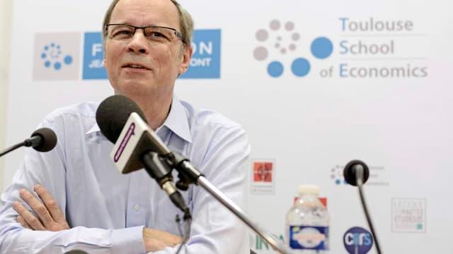Jean Tirole en conférence de presse, ce lundi.