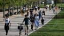 Des promeneurs à Victoria Park ce samedi 11 avril.