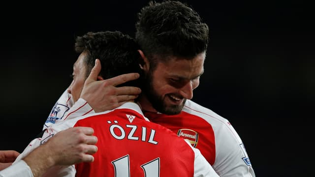 Mesut Özil et Olivier Giroud